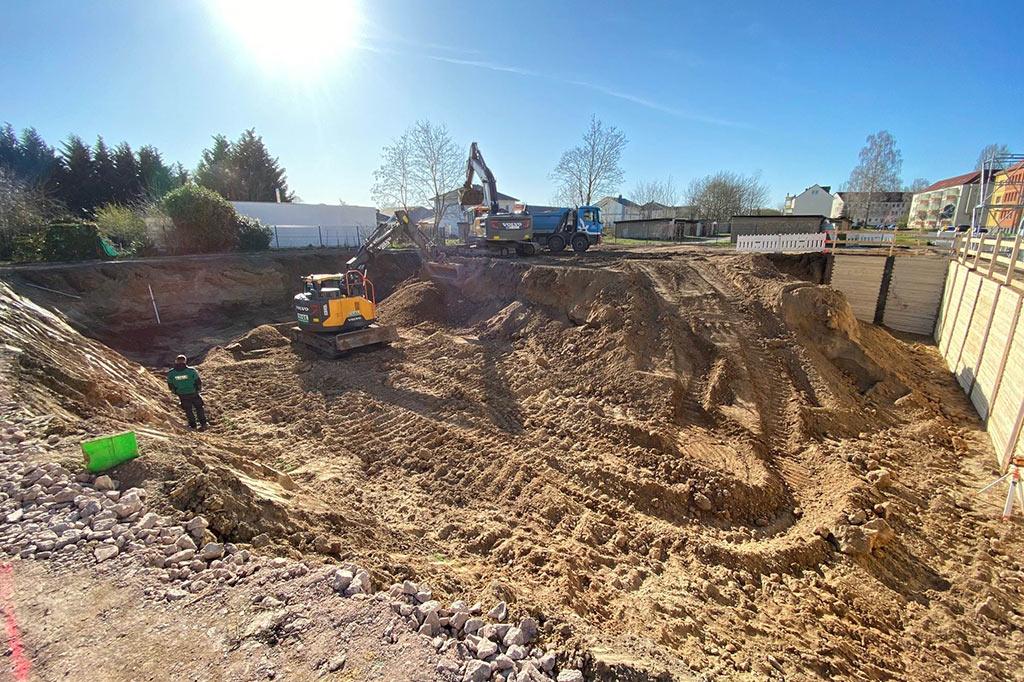 Beginn-der-Tiefbauarbeiten-für-unser-neues-Projekt-VILLA-NEUSEENLAND-in-Böhlen