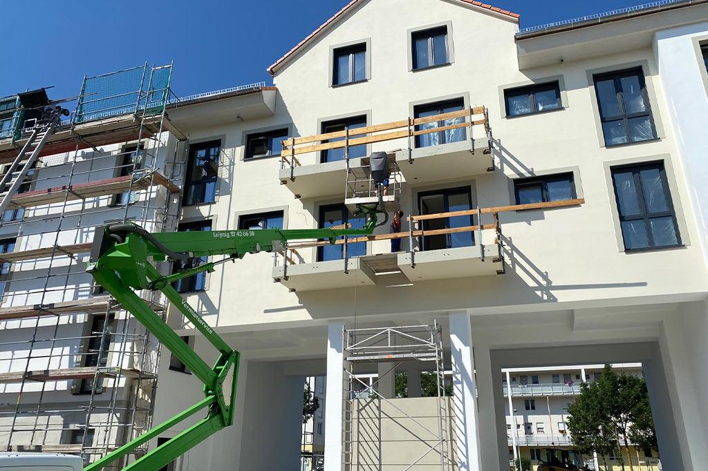 Die-Außenfassade-nimmt-Gestalt-an-–-DIE-HOFGÄRTEN-Bauabschnitt-II-–-in-Leipzig-–-Lausen